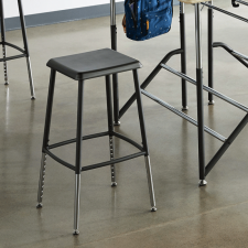 Stand2Learn Stool